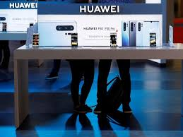 Huawei unveils new photography-focused smartphones online
